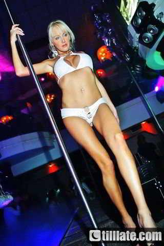 stripteaseuse shirley toulon aix-en-provence roquevaire st-maximin