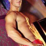 Stripteaseur nice kyle