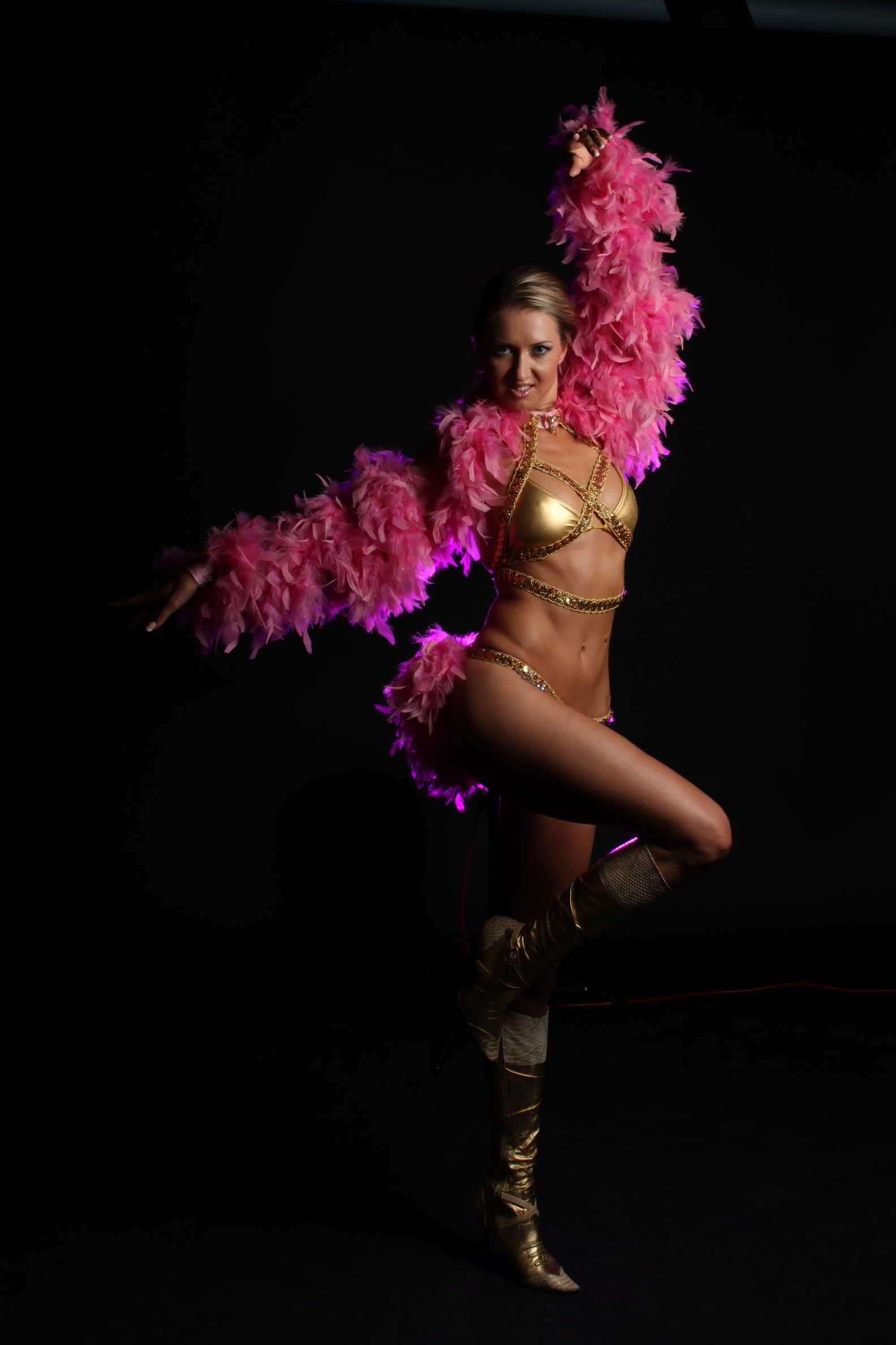 Stripteaseuse blanquefort lina