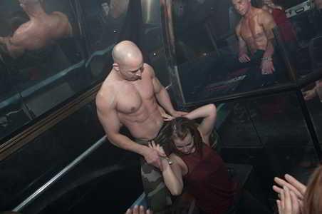 stripteaseur challans tyller