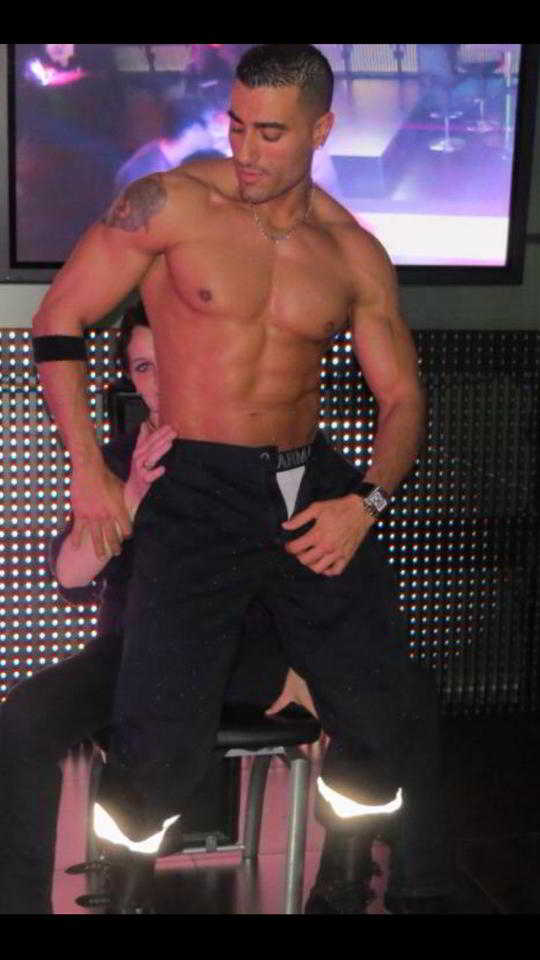 stripteaseur macon kenzo