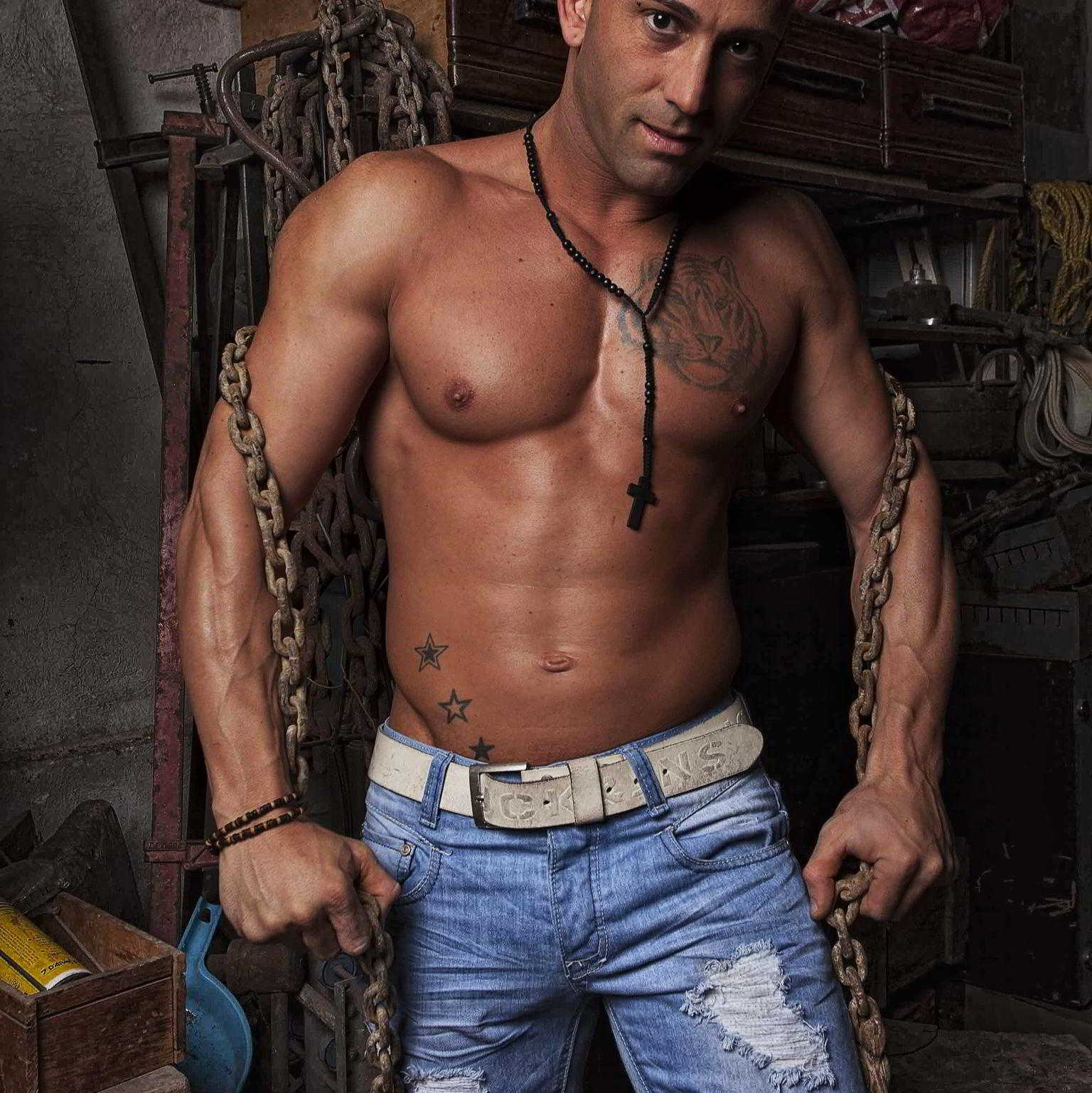 Strip-teaseur Perpignan Aaron