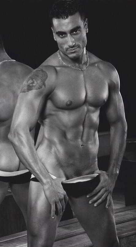 stripteaseur vienne kenzo