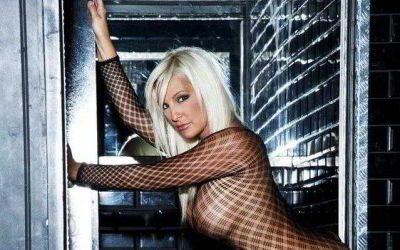Stripteaseuse Lyon Mina