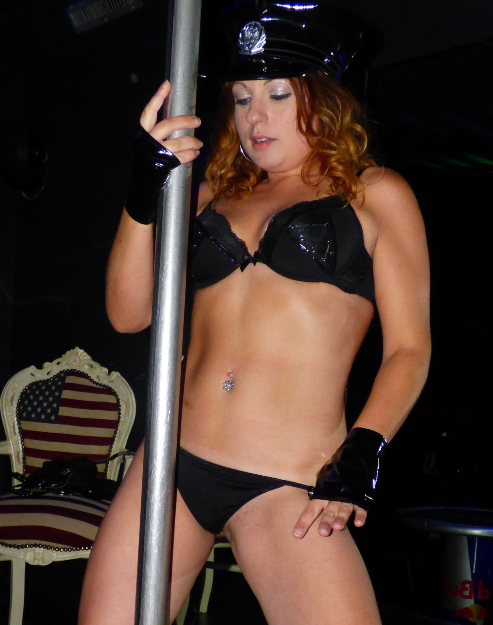 stripteaseuse saint lo alexia