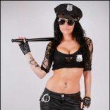 stripteaseuse versailles Loria