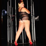 stripteaseuse dodu burlesque lilou montpellier