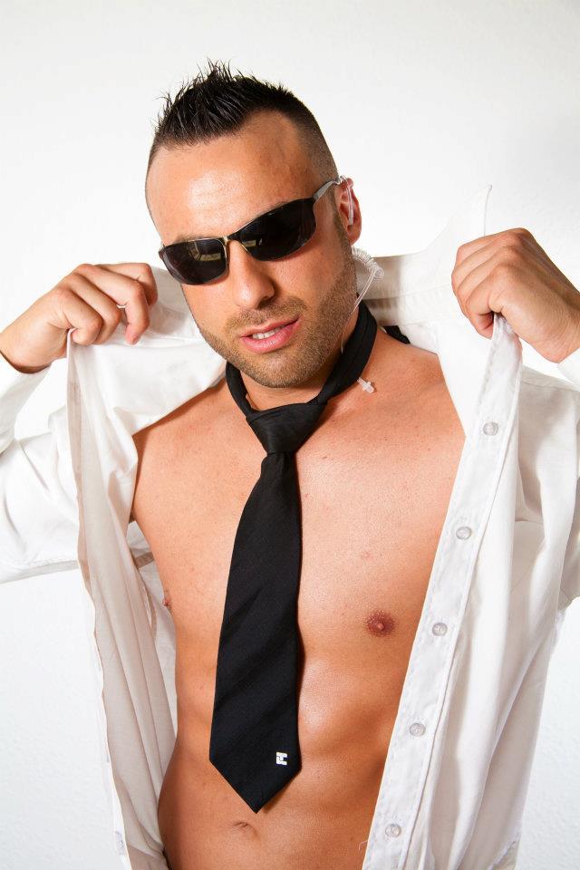 stripteaseur bandol lisandro