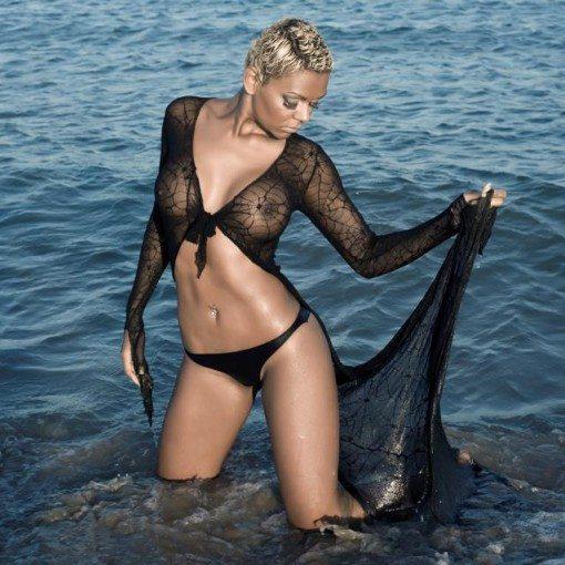 stripteaseuse montpellier talyana