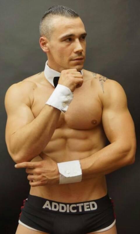 stripteaseur creteil bryan