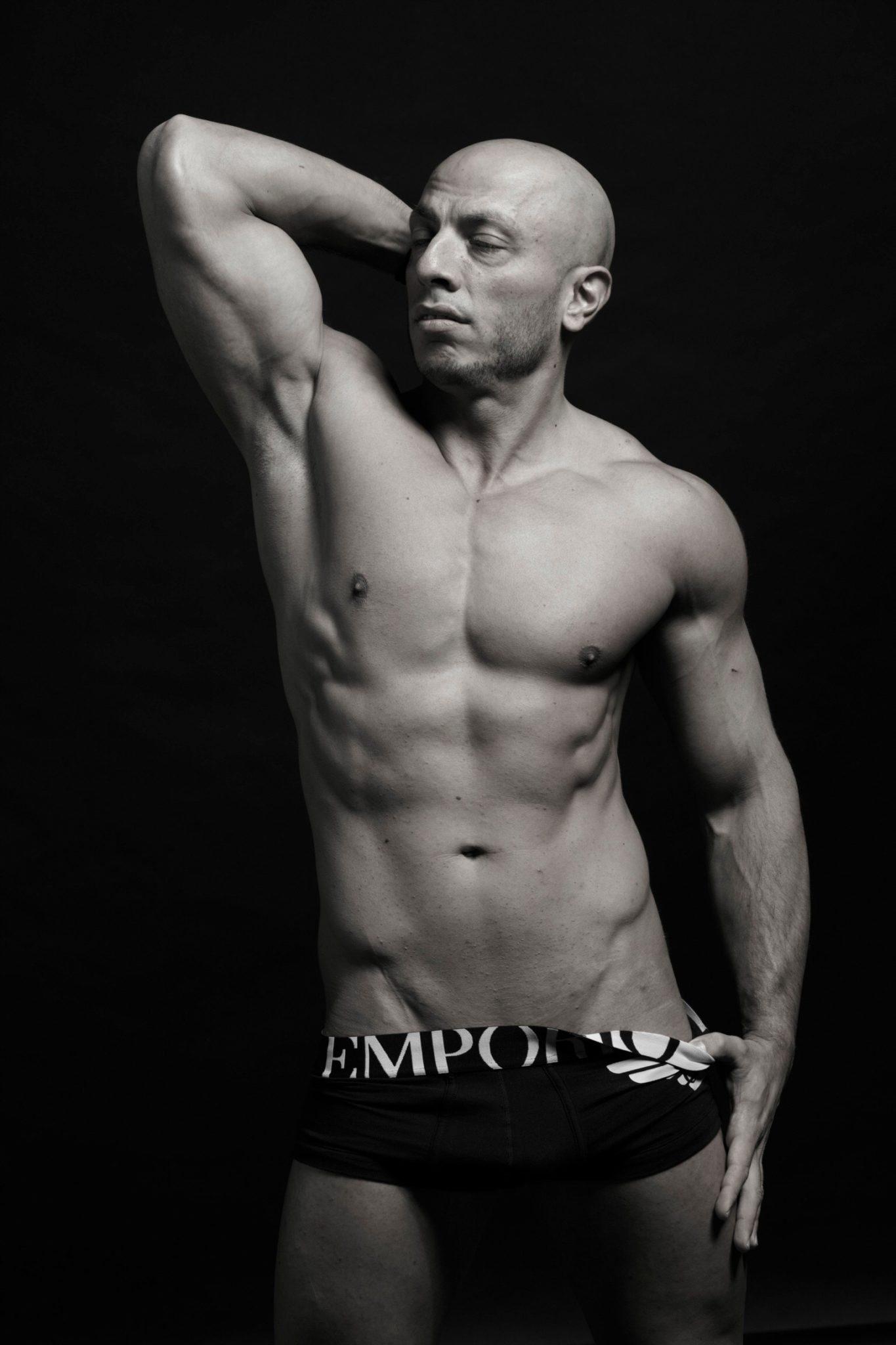 stripteaseur belgique louviere ydris