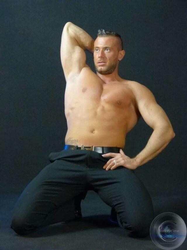 stripteaseur cassis enzo