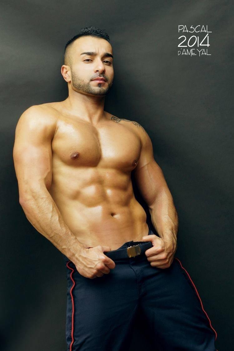 stripteaseur creteil tyan