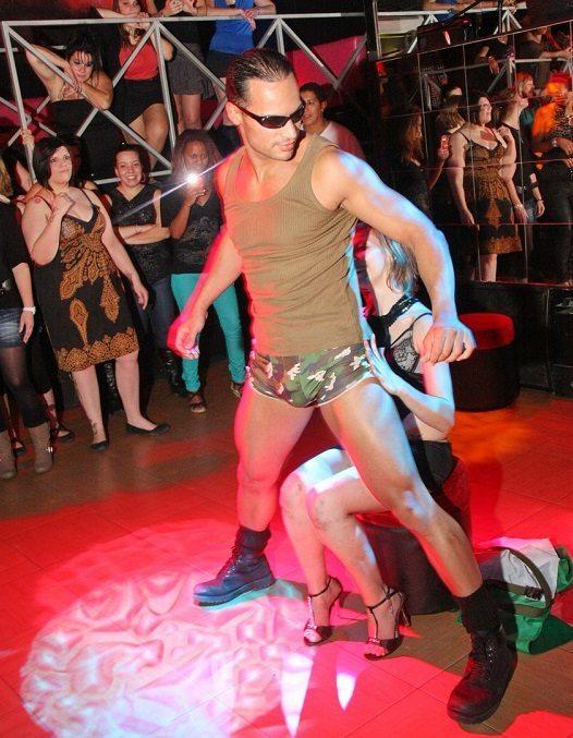 stripteaseur sarcelles wesley
