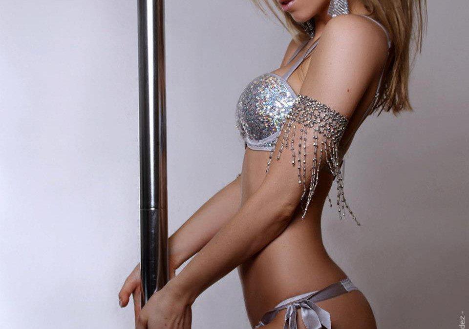 Stripteaseuse Lyon Candi
