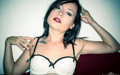Stripteaseuse Lille Anna