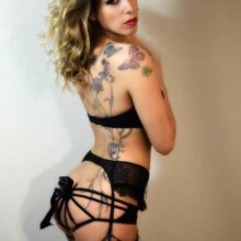 stripteaseuse dreux emy lee