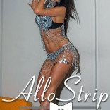stripteaseuse allostrip lyne13
