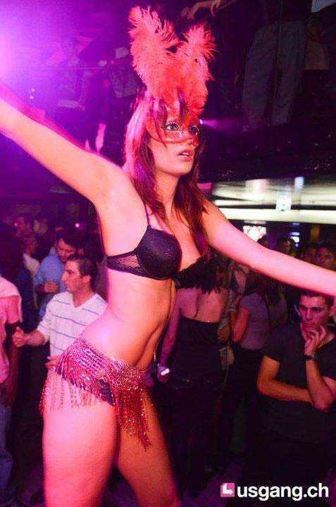 Stripteaseuse Cyane Dijon Montbeliard Pontarlier
