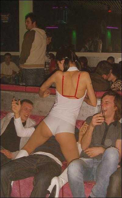 Stripteaseuse Louna Rennes Saumur , Cholet , Laval , Segré , Le Mans