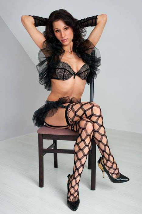 stripteaseuse lourdes morgane, pau, cauterets, bagnieres